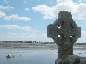 512px-Croix-celtique-Saint-Cado