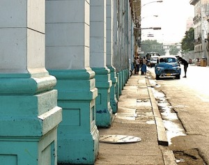 Havanna_Street_in_blue_2_m