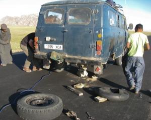 car-breakdown-487143_1280