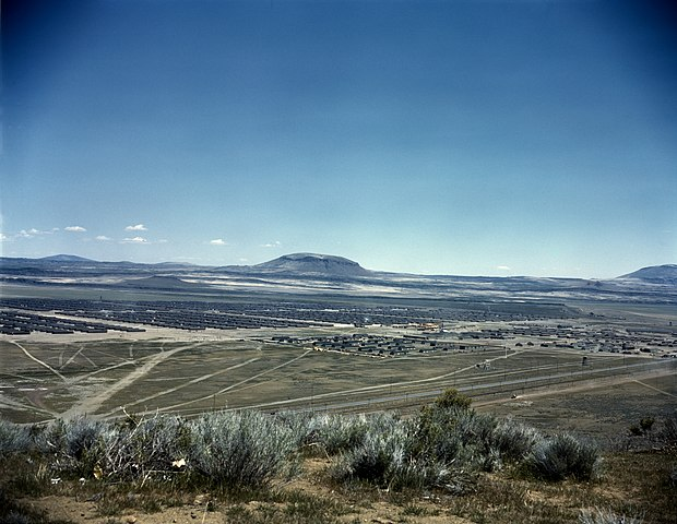 620px-Tule_Lake_War_Relocation_Center