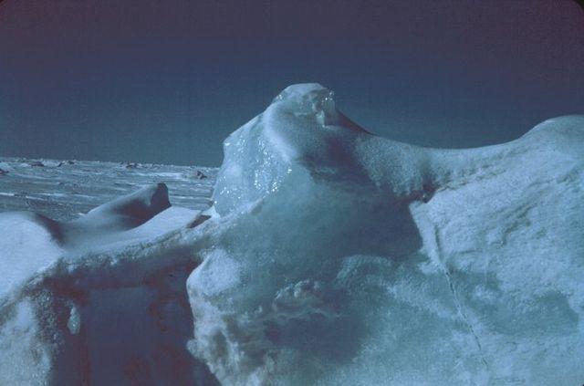 640px-Ice_berg