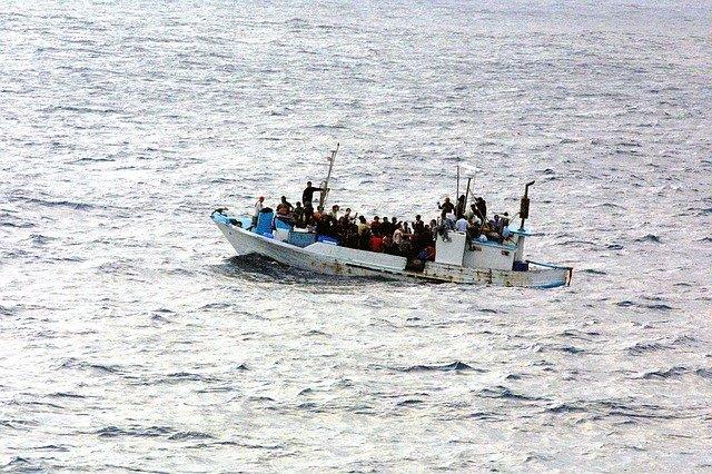 boat-998966_640 (1)